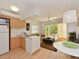 1 Bedroom Apartment Kitchen & Living